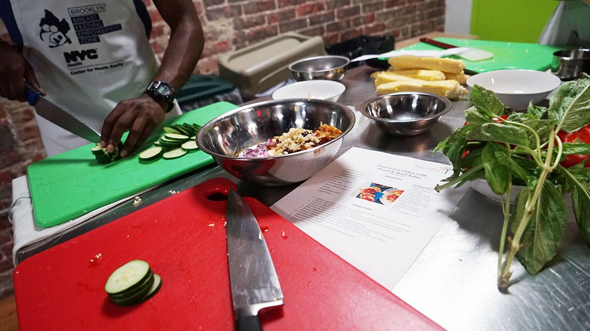 Are you a new dad who could use some help in the kitchen? 🔪🥗🍲 Check out our Brooklyn Daddy Iron Chef class on 3/13 in #BedStuy. You'll also enjoy a FREE gourmet meal! Register: https://t.co/Pxo2IQ0XJ3
