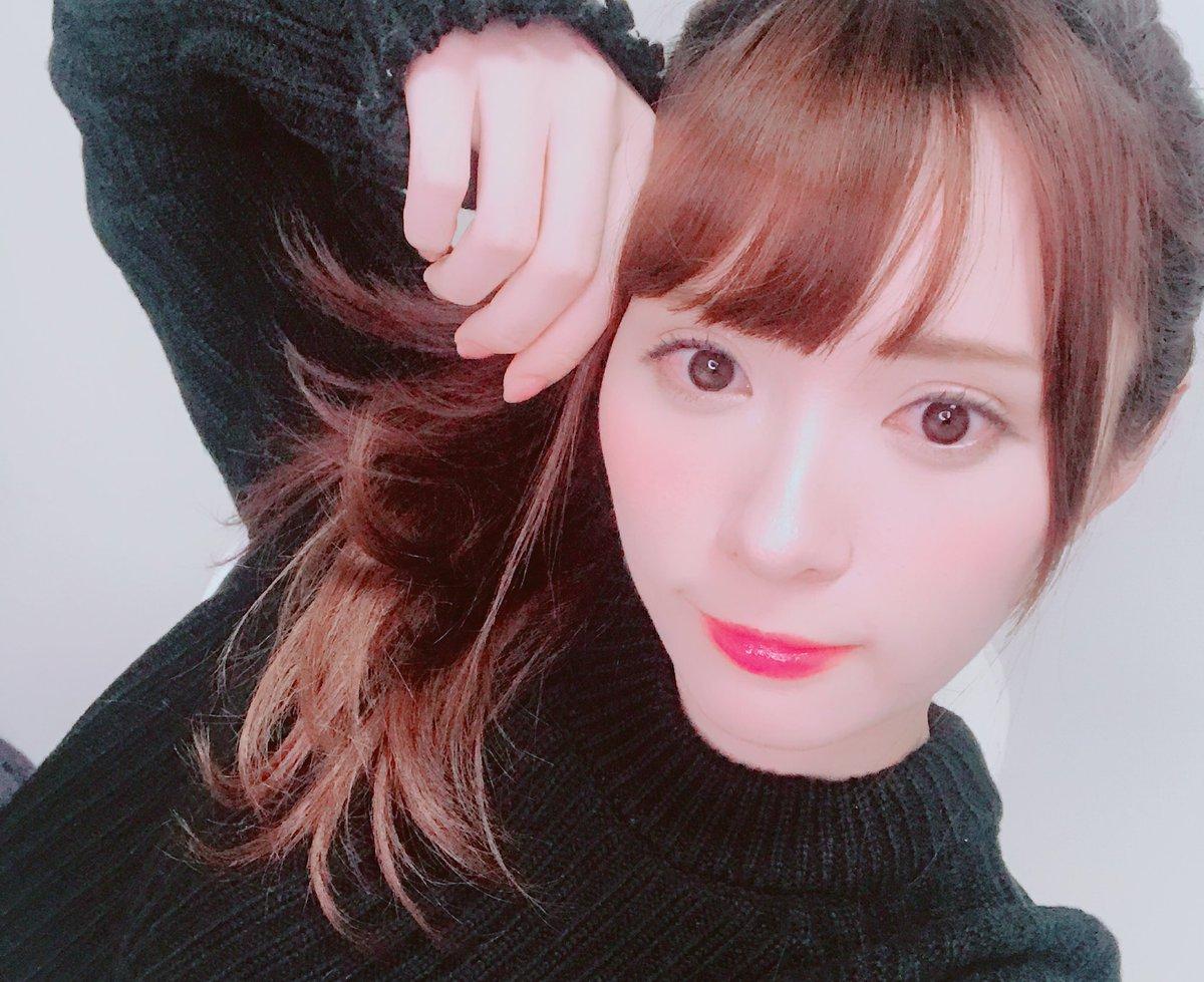 黒い服と河西美希