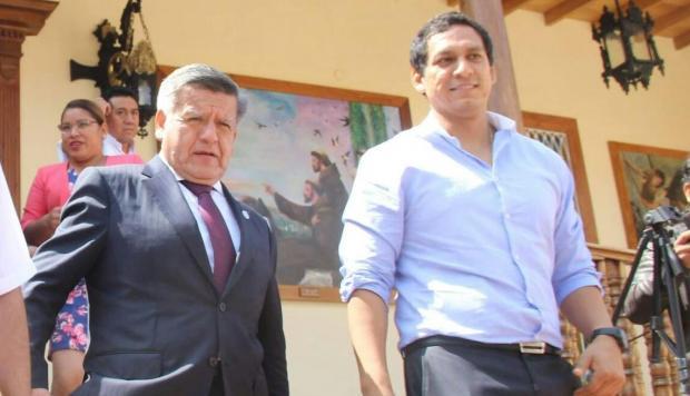 Luis Valdez candidato de APP al Congreso del Perú confunde para César Acuña