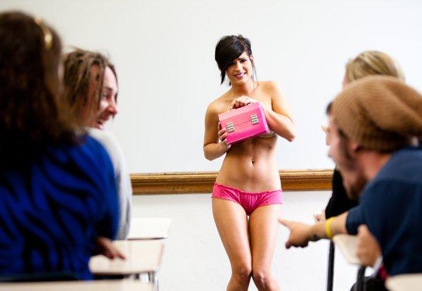 Booty nude latin