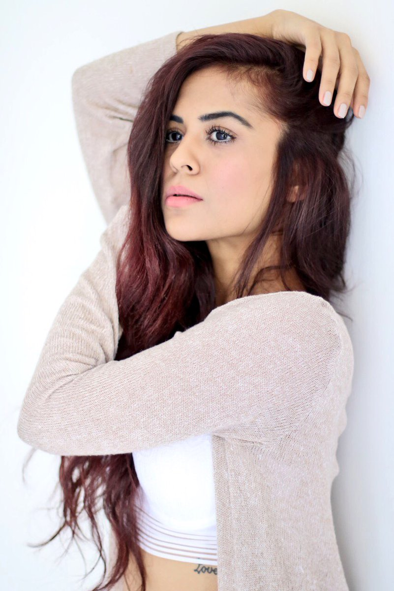 Sana Saeed Nude Photos 69