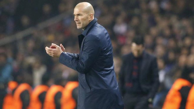DXsjEV8VoAALCrQ - Is Zinedine Zidane On His Way Out From Real Madrid?