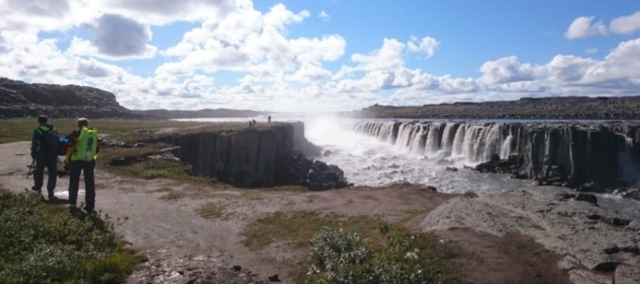 River discharge has little influence over long-term changes to its course and surrounding landscape, a study of waterfalls shows. Instead, bed substrate has greater impact on how rivers change over time. geos.ed.ac.uk/geosciences/ab…