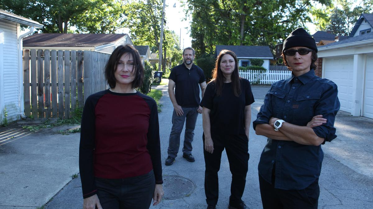 the breeders are back and making all your alt-rock dreams come true dlvr.it/QK70rv