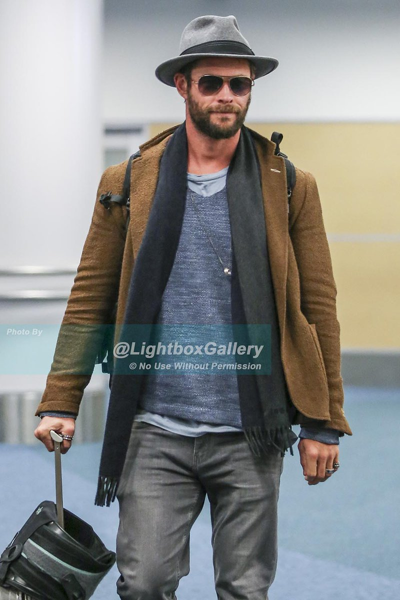 Chris Hemsworth rocks a fedora arriving in  Vancouver to begin filming  Bad  Times at the El Royale.   yvrshoots  WhatsFilmingpic.twitter.com yOGLGP5iF9 37722de5779