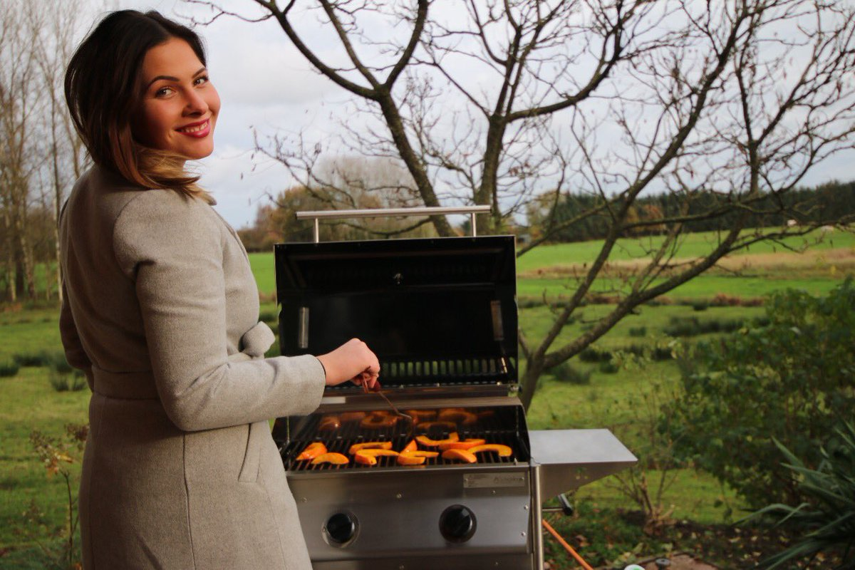 "schickling grill on twitter: ""girls can grill too!! #weltfrauentag… """