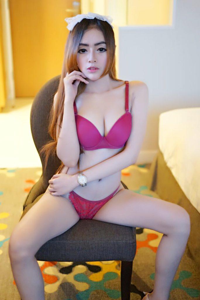 Nude muscle women pinterest