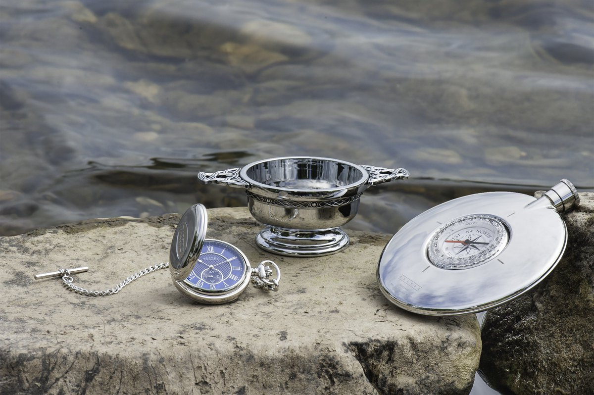 ... is here to help with a unique selection of Scottish gifts for your wedding day. Choose from our range here: https://goo.gl/9A2mpC #quiach #pocketwatch ...