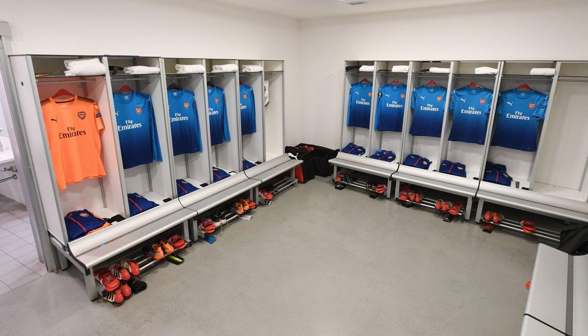 Our team once more: Ospina, Chambers, Koscielny, Mustafi, Kolasinac, Xhaka, Ramsey, Wilshere, Mkhitaryan, Ozil, Welbeck #ACMvAFC