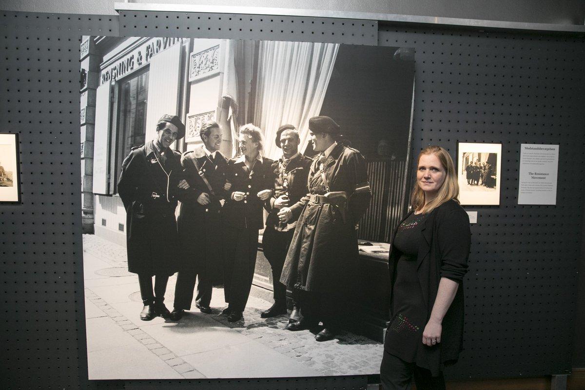 Vi har netop afholdt åbningsarrangement for vores nye særudstilling med den amerikanske fotograf Lee Millers billeder af det befriede Danmark i maj 1945. Med til åbningen var Lee Millers barnebarn Ami Bouhassane. Udstillingen kan opleves fra i morgen og frem til den 24. juni.