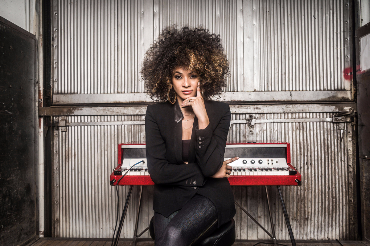 Reloaded twaddle – RT @bluenoterecords: .@KandaceSprings is one of the great new voices in Jazz and...