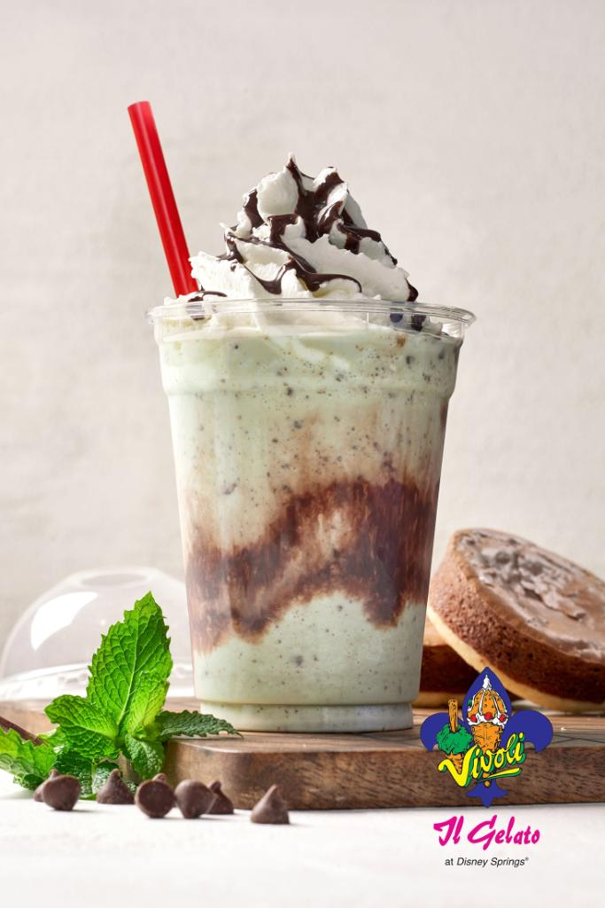 Sip on the newest shake from Vivoli il Gelato, The Leprechaun's Wish! Featuring mint chocolate chip gelato and nutella brownies spun with milk, drizzled with chocolate sauce and topped with whipped cream. Only available through March 31! ☘️🍨