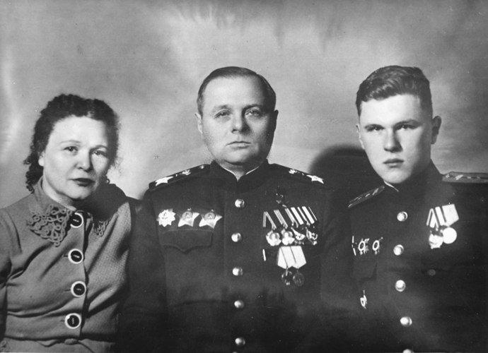 москаленко поликарп вов семья картинки определенного временного