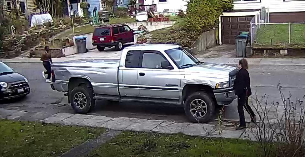 Elizabeth Avenue: Bremerton police say a 24-year-old man was