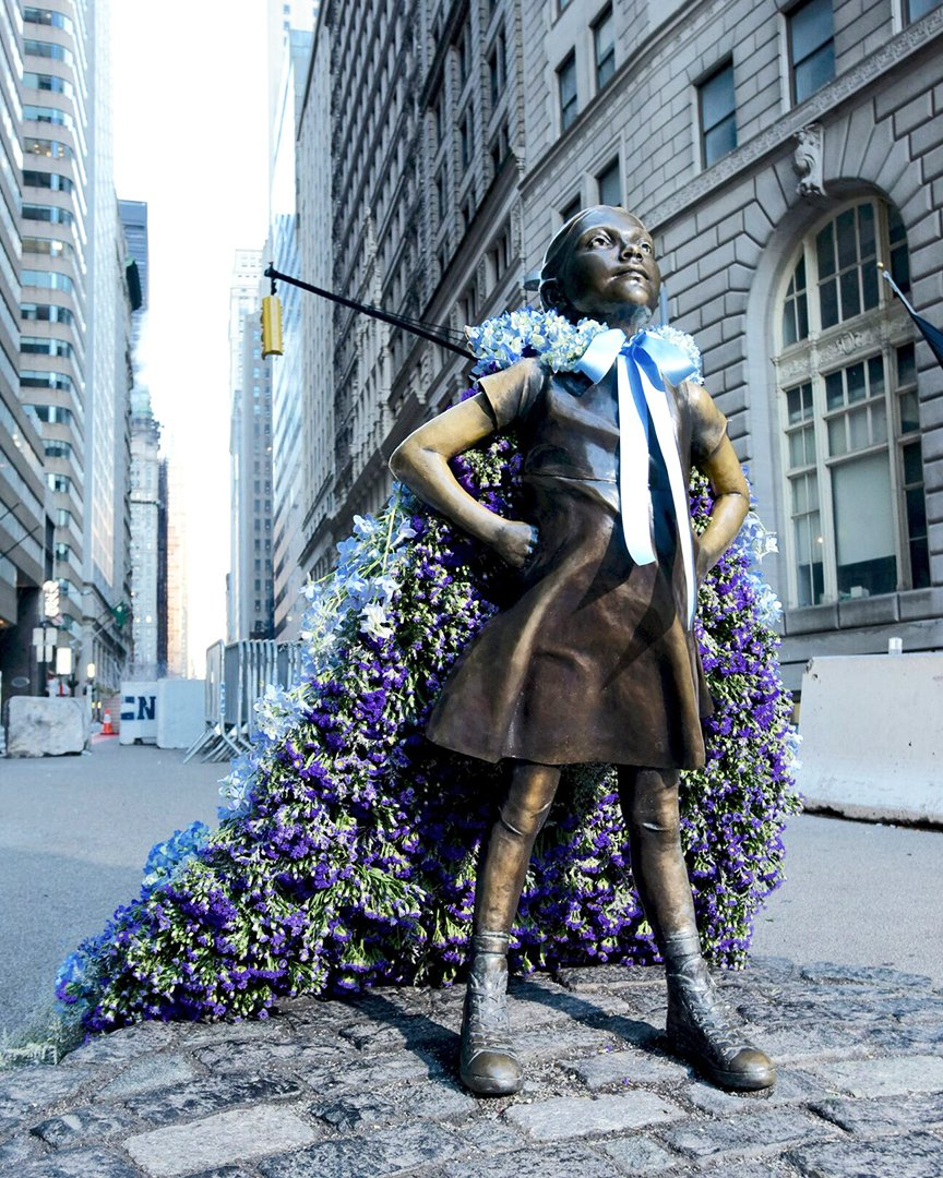 City Wide Female Statues In Nyc If You Re The Area Find A Statue Snap Pic Tag Hied Las Your Life Twitter Teus1ej