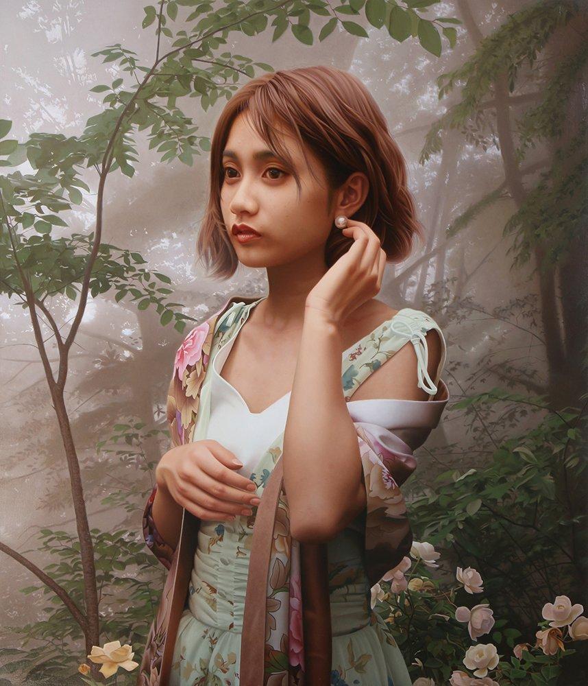きれいな着物を着た美しい女性の写真・・・ではなく、油絵で描かれた絵画なんです♪