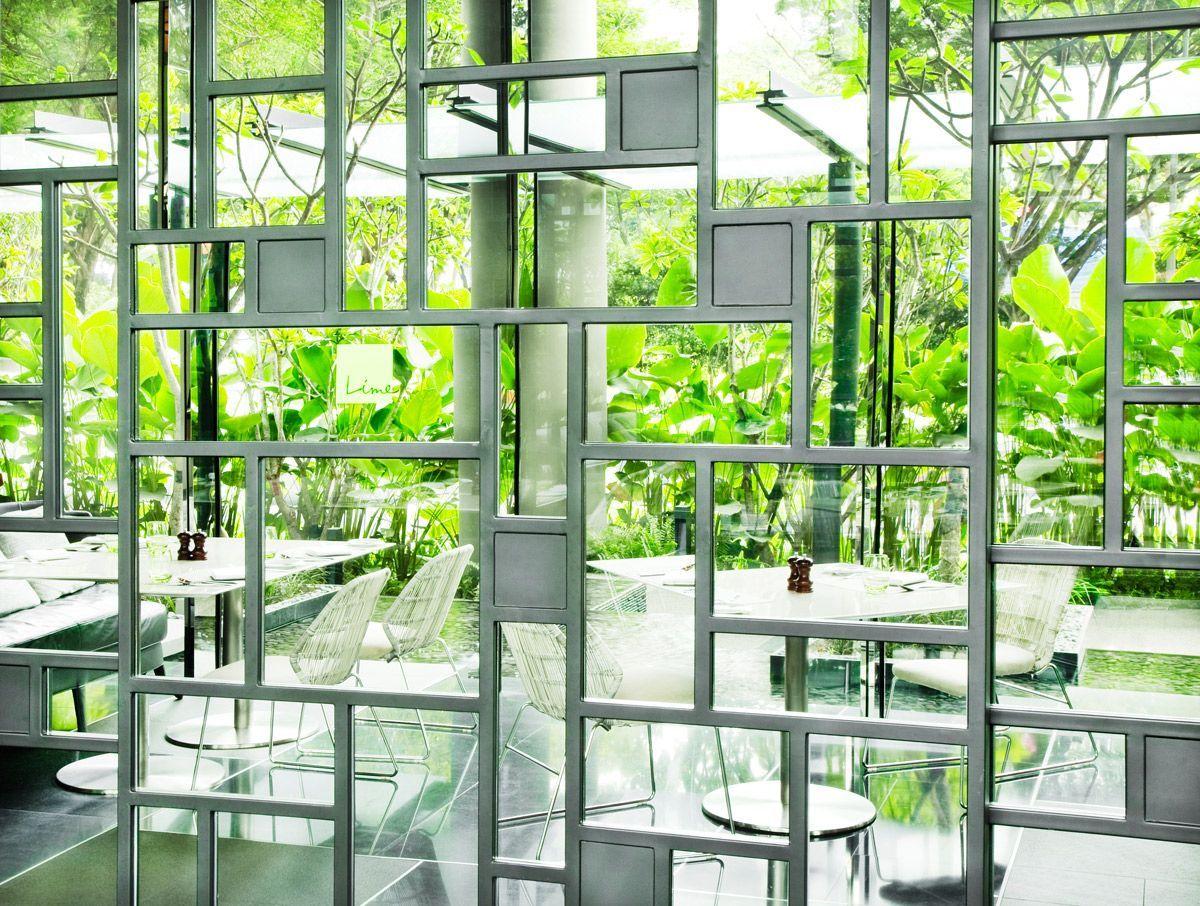 緑の回廊が未来都市のような、シンガポール随一の緑あふれるボタニカルホテル。インテリアで選ぶ旅先。 https://t.co/PV0KkZ1Ncp