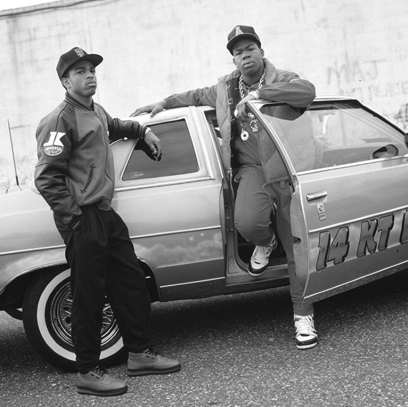 Rare photo of MC-EZ &amp; Troup on Long Island in 1988&#39;. In case you were wondering, Yep thats Craig Mack (MC-EZ). Photo Credit -Janette Beckman | #hellaclassic #RIPCraigMack #Rare #HipHopEd<br>http://pic.twitter.com/m1FLfboDQ4