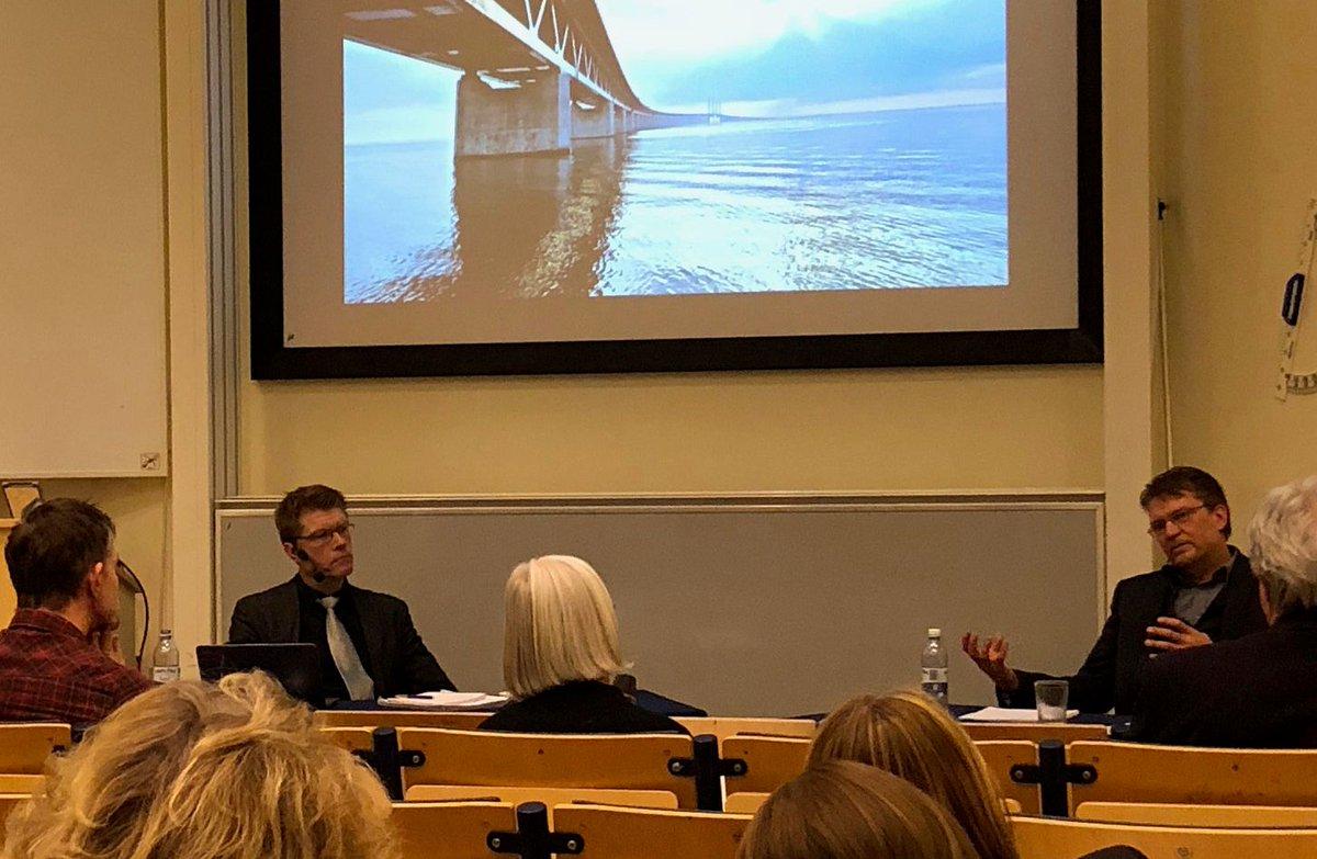 43e099b62d1 På bilden tillsammans med opponent Peter Håkansson vid Malmö universitet.  https://t.co/732yFhS2KW… https://t.co/rbNY1zPNfs