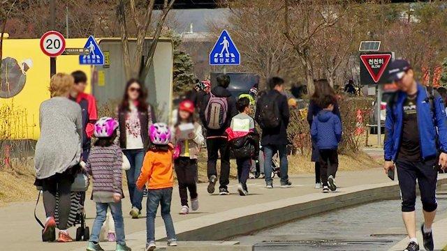 [JTBC 뉴스룸] #날씨 내일부터 완연한 '봄'…서울 낮 13도까지 올라. 미세먼지 농도는 높아서 대부분 지역 나쁨 수준. https://t.co/b7Axt2oDBu