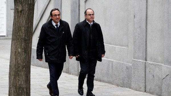Cataluña: procesan por rebelión a la cúpula independentista y ya se habla de nuevas elecciones en junio https://t.co/QvNBAaE6gE