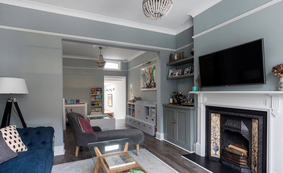 Run Projects On Twitter The Traditional Victorian Terrace Footprint Has Been Opened Up But Subtle Elements Unite Divide It By Painting Both Rooms In The Same Colour Mirroring The Tv With