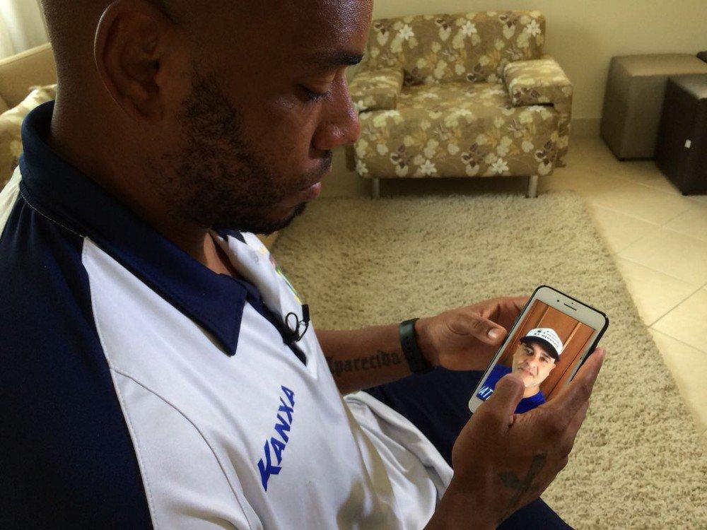 Goleiro do São Caetano, Paes recebe vídeo de São Marcos e promete volta por cima https://t.co/6FnXERTgmC #SeleçãoSporTV