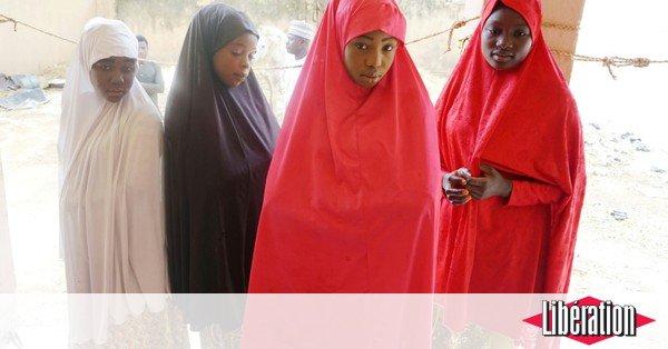 Nigeria : Boko Haram rend à leurs parents une centaine d'écolières enlevées en février https://t.co/1g0XH1Tyrs