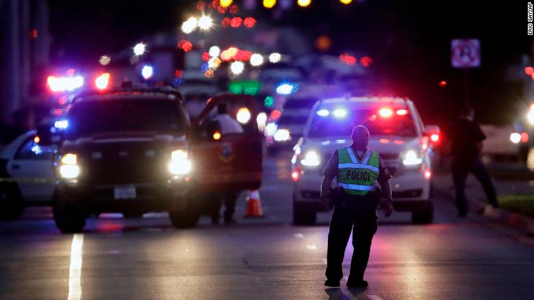 Police used store receipts and 'suspicious' Google searches to identify the Austin bombing suspect https://t.co/v4dw5T6UlR