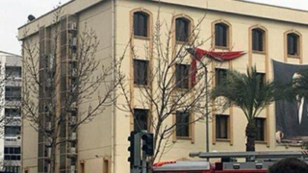 Kaymakamlık binasında intihar girişimi:...