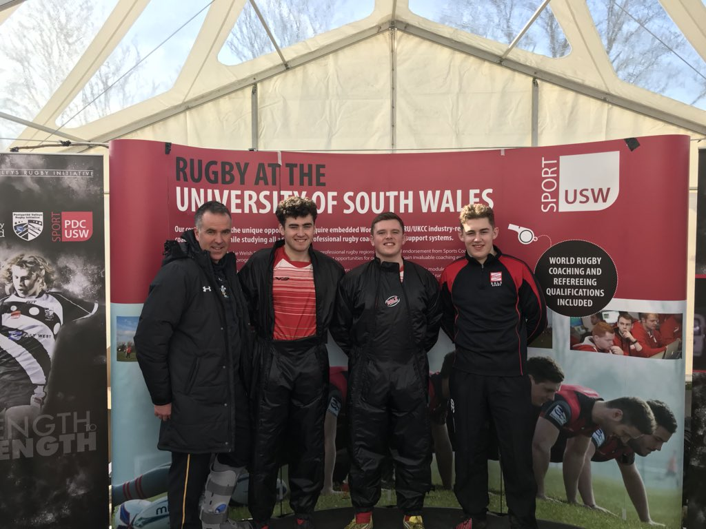 Nice visit from @BglzRugby students looking at our course and always a pleasure to see Hub Officer Martin Cooke #futurestudents #USWFamily #USWrugby<br>http://pic.twitter.com/kigGhhHKHa