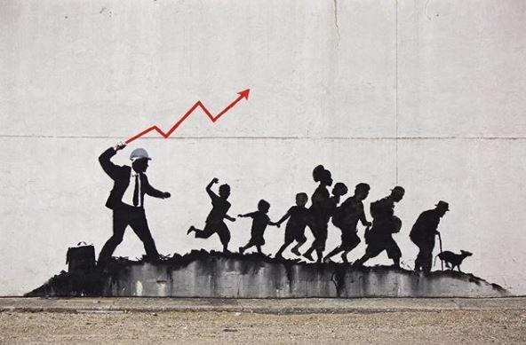 #Banksy è tornato a New York. Si è fatto vivo su Instagram postando le foto di due nuovi murales a Midwood, non lontano da Coney Island. Il primo, è una critica al capitalismo e alla gentrificazione → https://t.co/ZOofbm7pwY