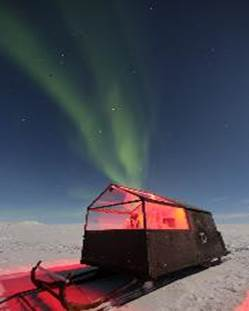 Are you up for a #hotel on skis? A new glass-roofed portable cabin in #Finland offers glamping so you can watch the Northern Lights from bed! So, um, cool! https://t.co/BlVnsWfoiD