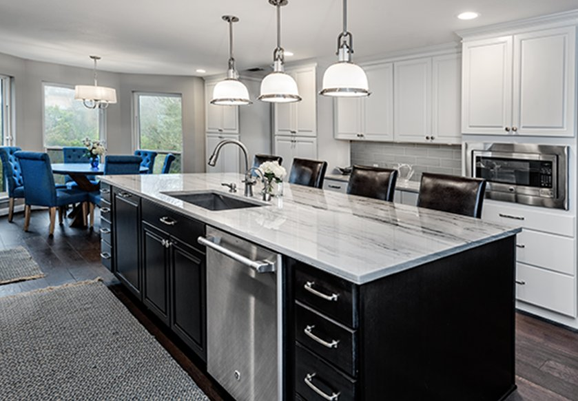 This Dark Island Anchors The Room And Contrasts With White Wall Cabinets Stop By Parrish Get Inspired For Your Next Homedesign Project