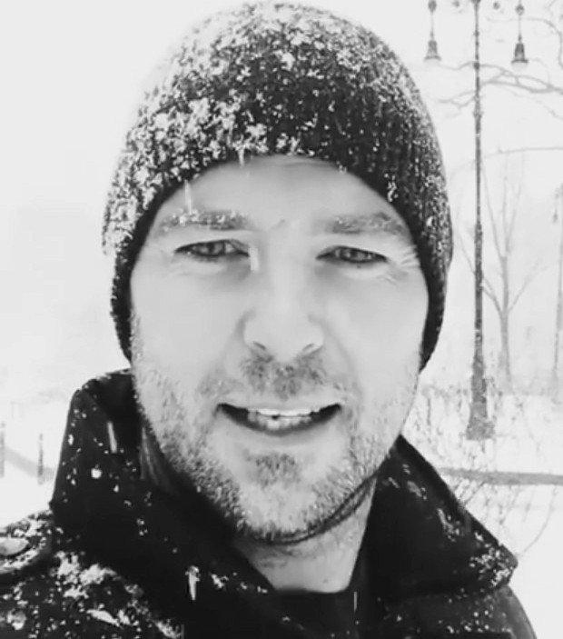 Sullivan Stapleton Twitter