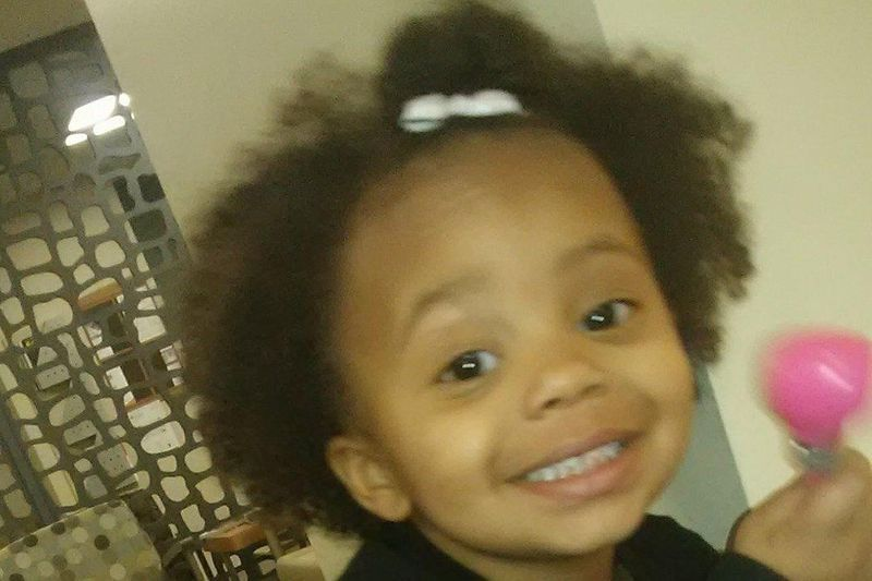 Akron couple faces felony after 2-year-old daughter froze to death on porch https://t.co/6QE2qsr7F9 | #wmc5