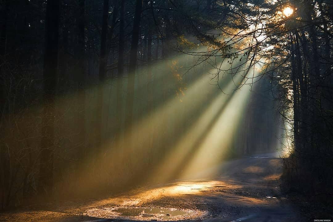 один оригинальный как фотографировать лучи света иконах