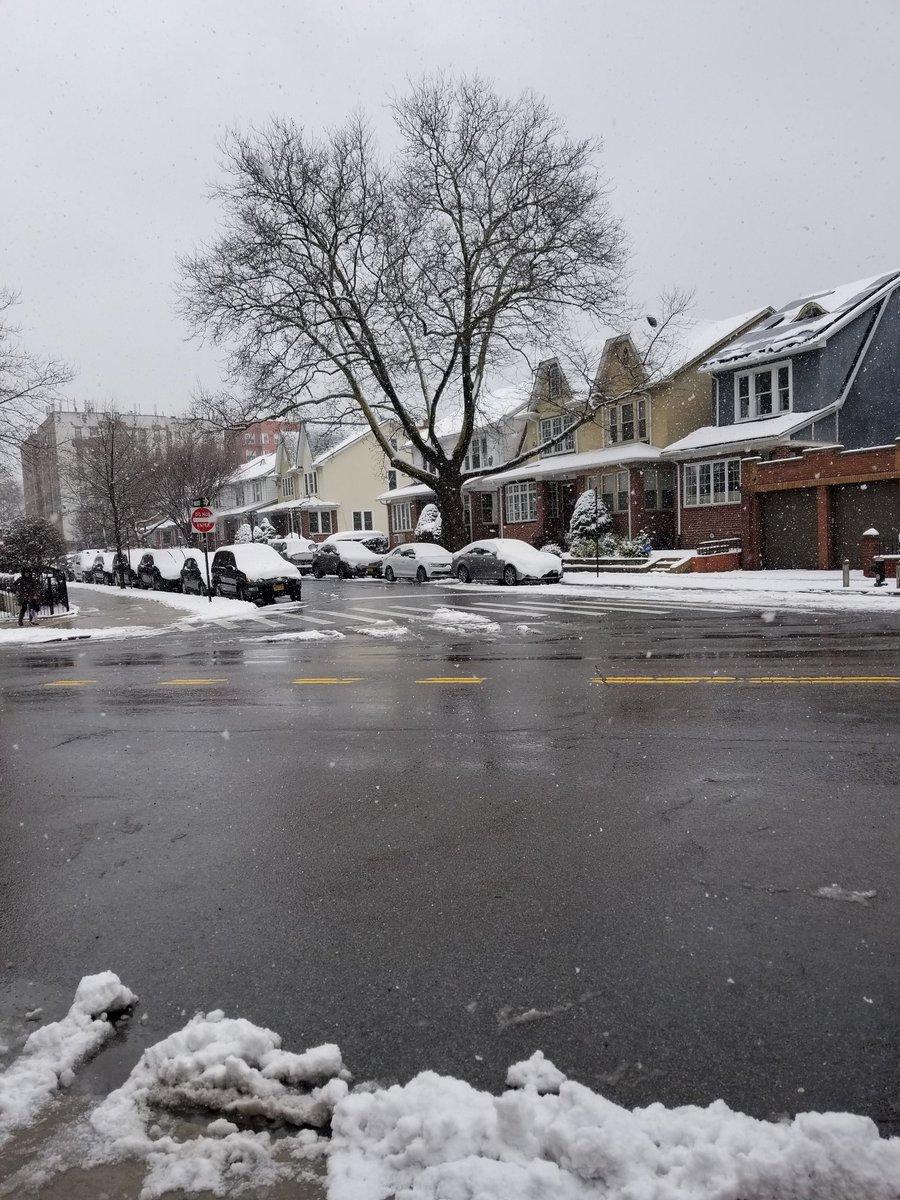 #snowday https://t.co/xXsRumWaU9