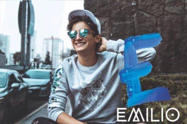 Hoy apoyando a #Emilio en la presentació...