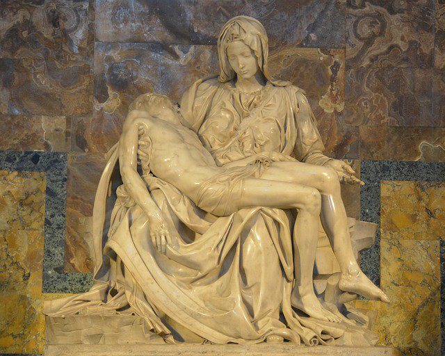 A brief history of Michelangelos Pietà, from @MissedinHistory: spr.ly/6012DVF2u #aparthistory #apeuro