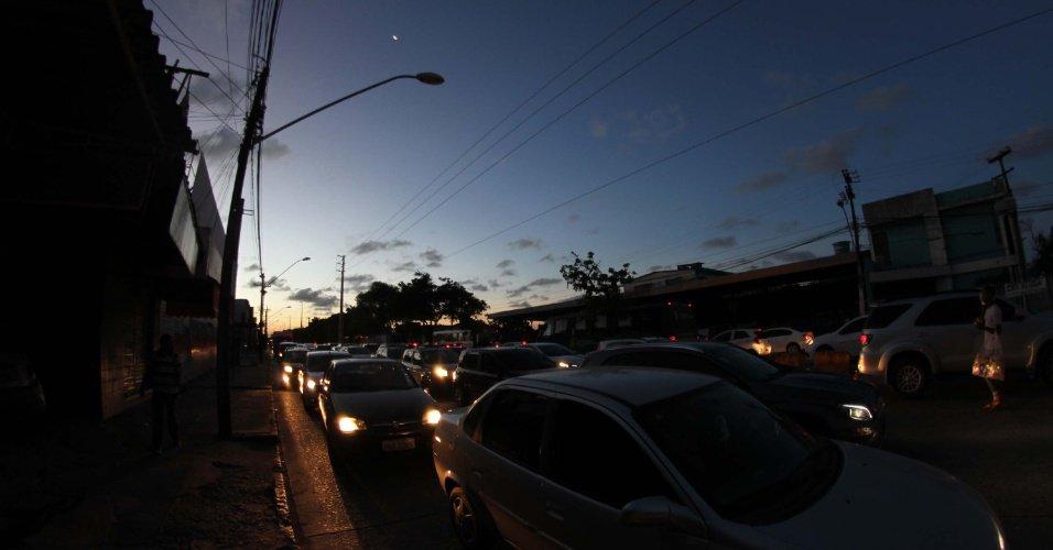Falha em disjuntor no Xingu provocou 'colapso' de energia no Norte e Nordeste, diz ONS https://t.co/z3dOO62Csn