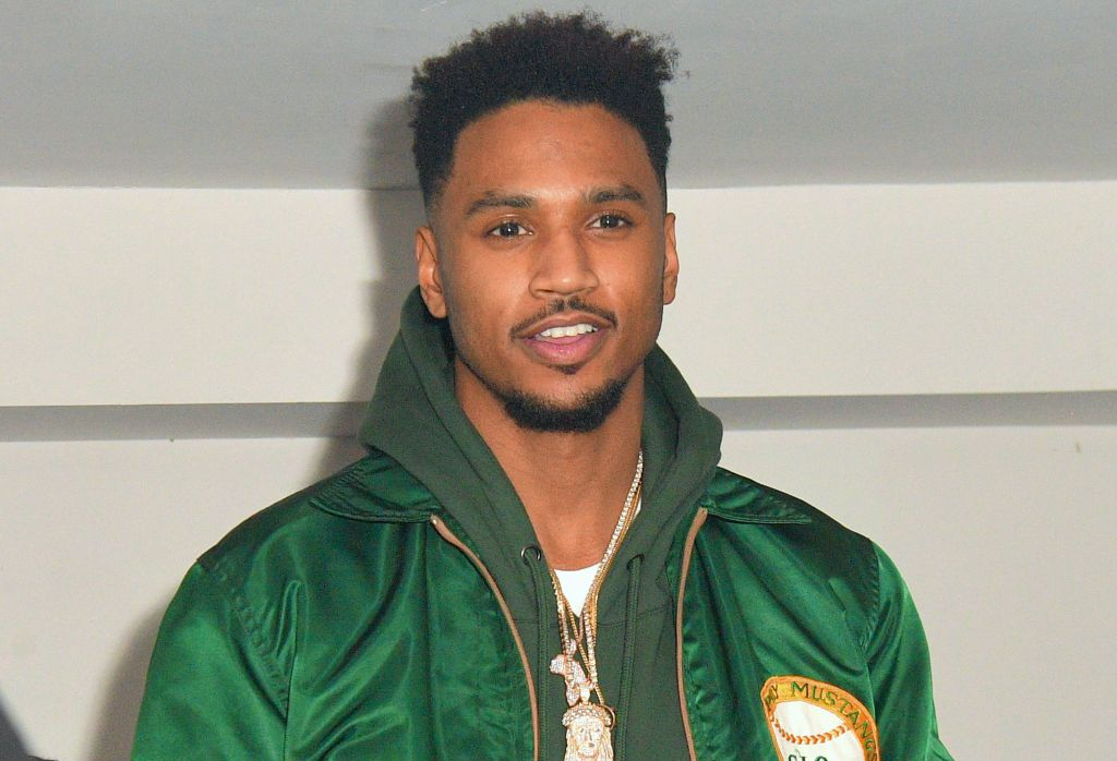 R&B singer Trey Songz is facing a felony domestic violence charge and surrenders to LAPD. https://t.co/I2OEAQr7BF