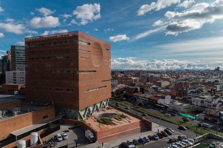 Ampliación de la Fundación Santa Fe de (...