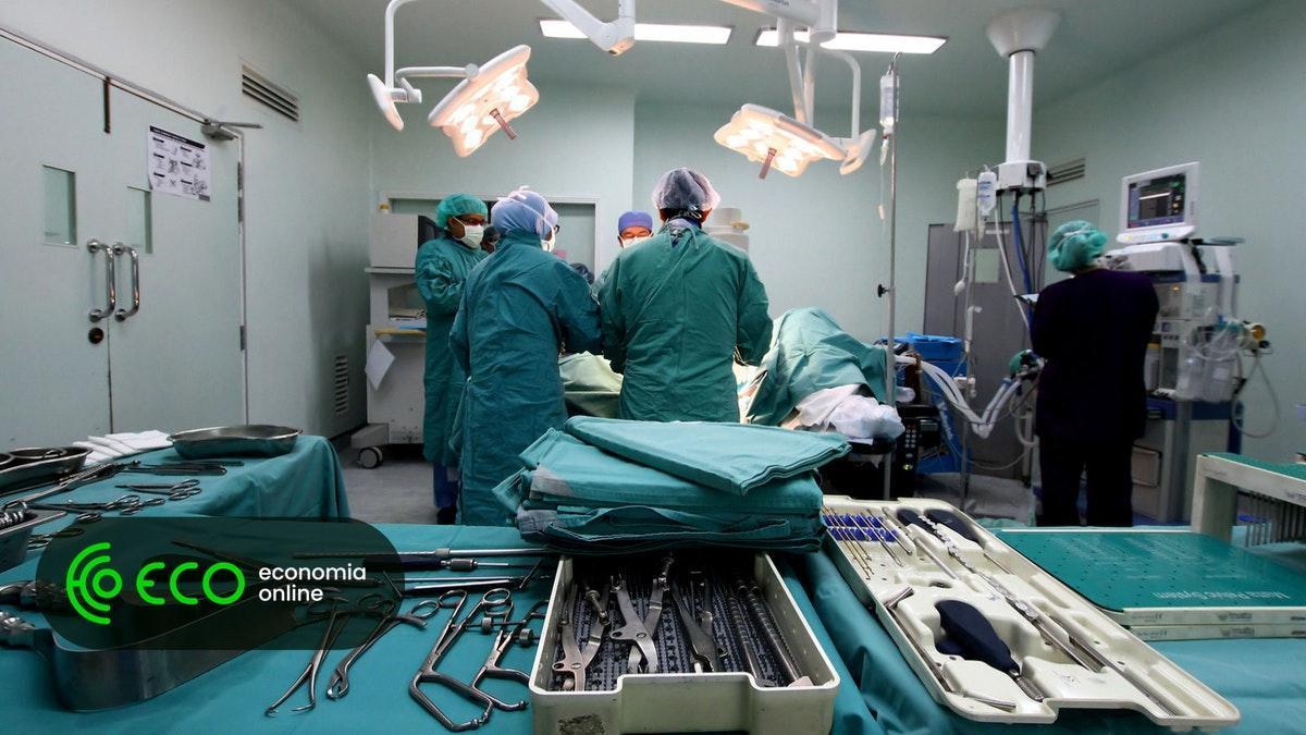 Greve de enfermeiros ameaça parar consultas e cirurgias https://t.co/RWDOyuz4Od