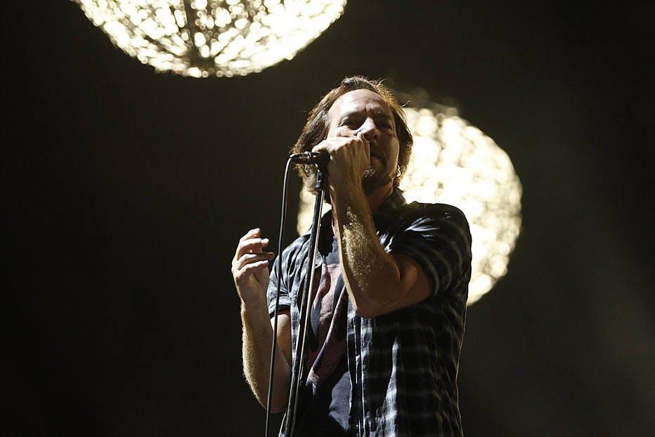 Em escala no Rio pré-Lollapalooza, Pearl Jam surpreende com 'Lados B' e convidados https://t.co/wX1wIRIutA