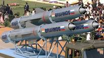 #India successfully flight-tests supersonic cruise #missile #BrahMos -the World&#39;s Fastest #SUPERSONIC #CruiseMissile - It hit its designated target with Pin-point Accuracy in Pokhran, Rajasthan.    http:// toi.in/L07EYa/a24gk  &nbsp;    #defense @narendramodi @nsitharaman @nsitharamanoffc<br>http://pic.twitter.com/43hTDWgGdY