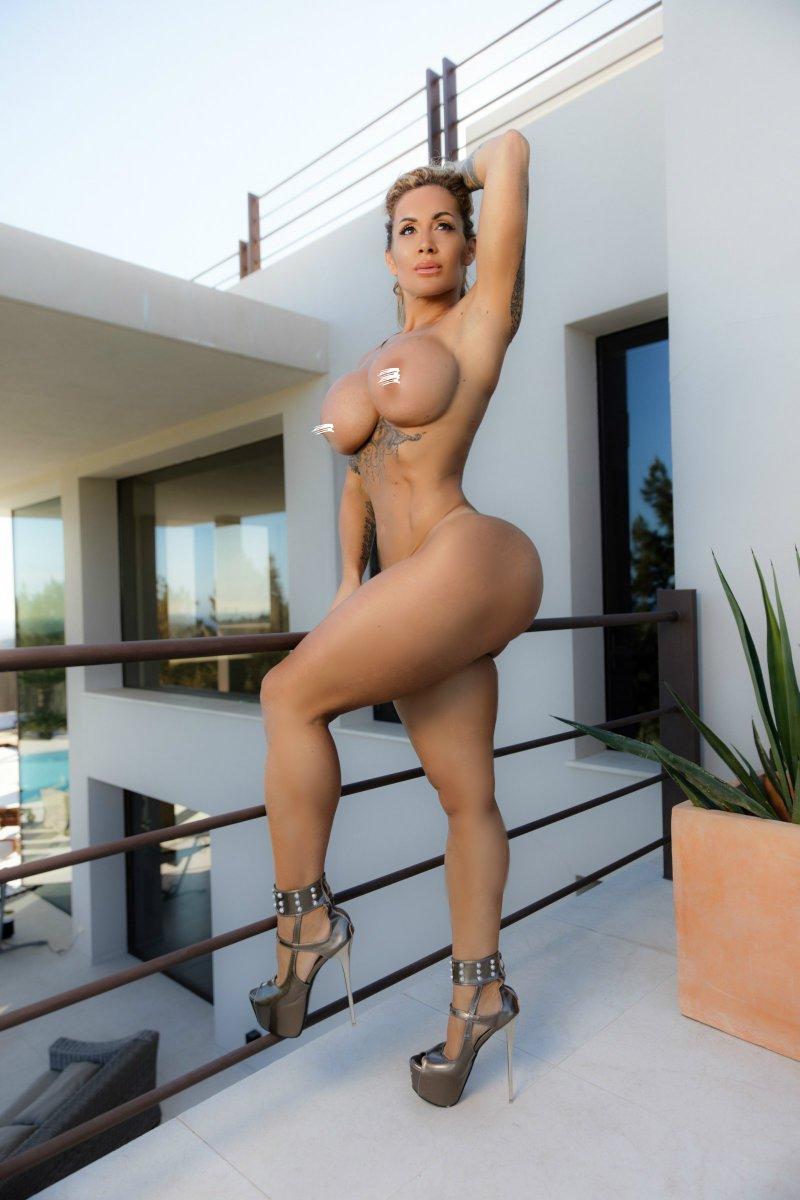 Lomba naked