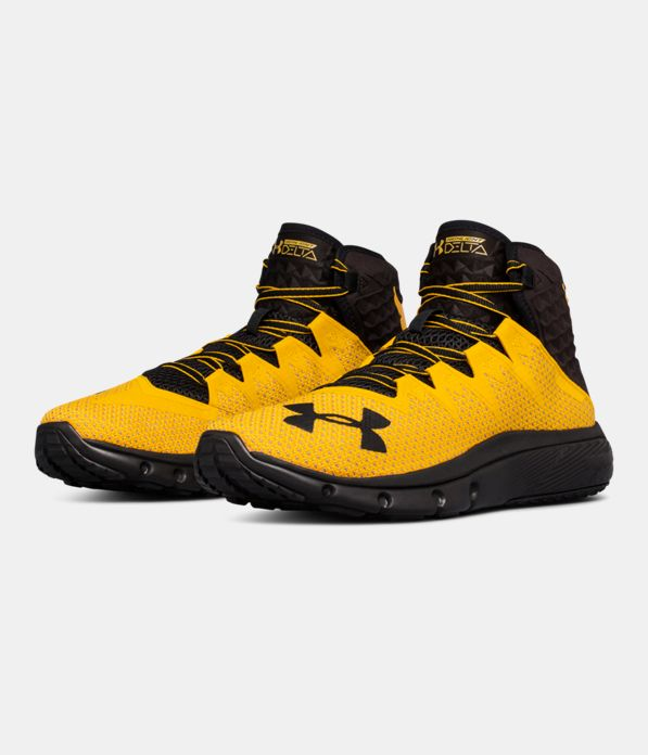 c921fad787f72 Now Available  The Rock s Chase Greatness Collection  https   www. underarmour.com en-us project-rock g 32k2 …pic.twitter.com OmCoLXe33R