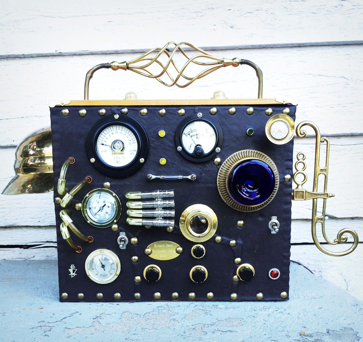 Gorgeous #music! #Steampunk #Radios - Welcome to https://t.co/V46rOLZj4t https://t.co/yVpdQUTjoC #steampunkart #steampunkstyle #steampunkdenver #denversteampunk #coloradosteampunk #masonarts