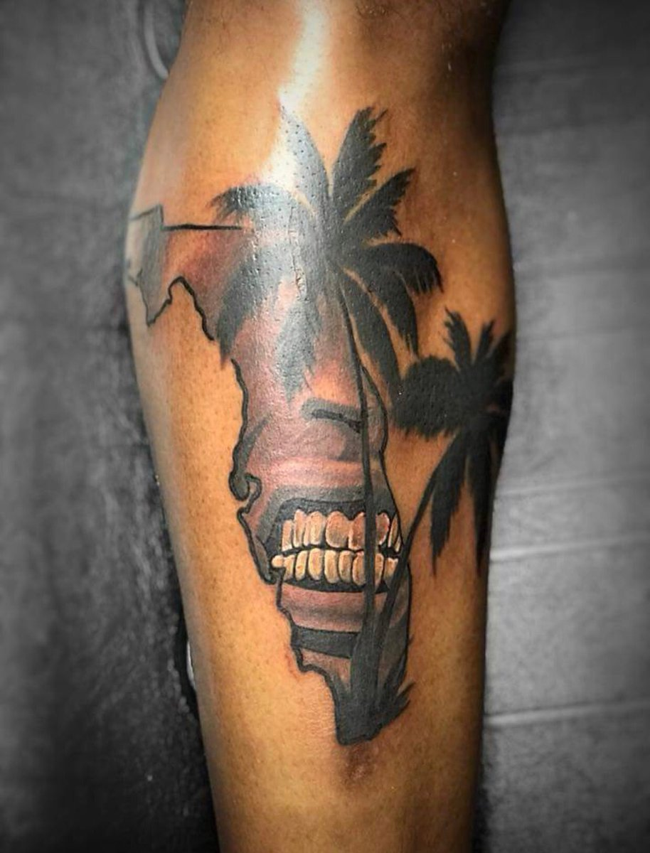 This tattoo is the most Florida shit I've ever seen 🔥🔥